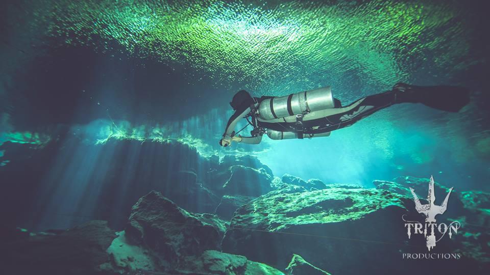 Plongée sidemount dans le cenote Kukulkan