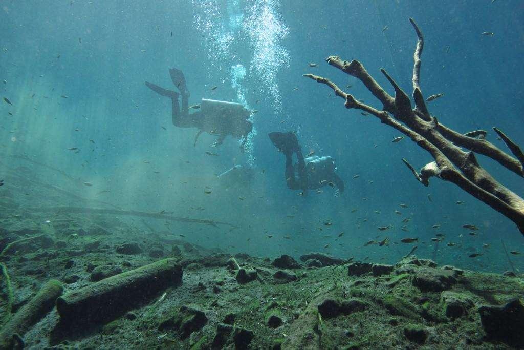 Buoyancy and trim - Cenote Carwash