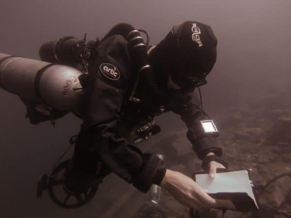 Geraldine diving the Sidewinder, at the deco stop after an exploration dive in Nacimiento Tamuin (Choy)